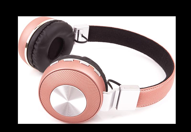 Lauren Windle Podcast headphones